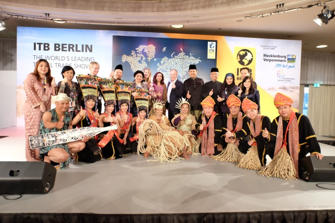ITB Berlin Handover 25