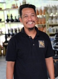 Mohd Pareb Zamari - owner - KZ Kraf