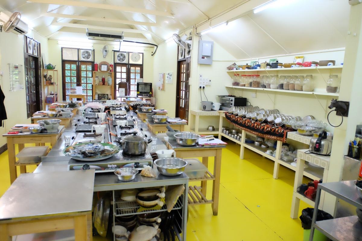 Tropical Spice Garden_cookery school kitchen