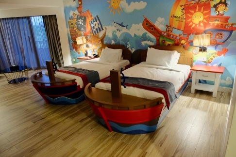 Children's room in family suite - Sand & Sandals Resort