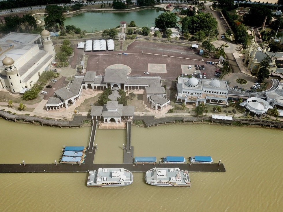 River Cruise terminal.JPG