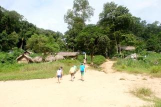 Taman Negara - Orang Asli village