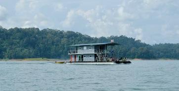 Kenyir Houseboat 1