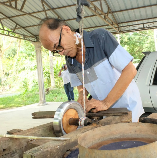 Hand-making a gasing (spinning top) - Kota Bharu