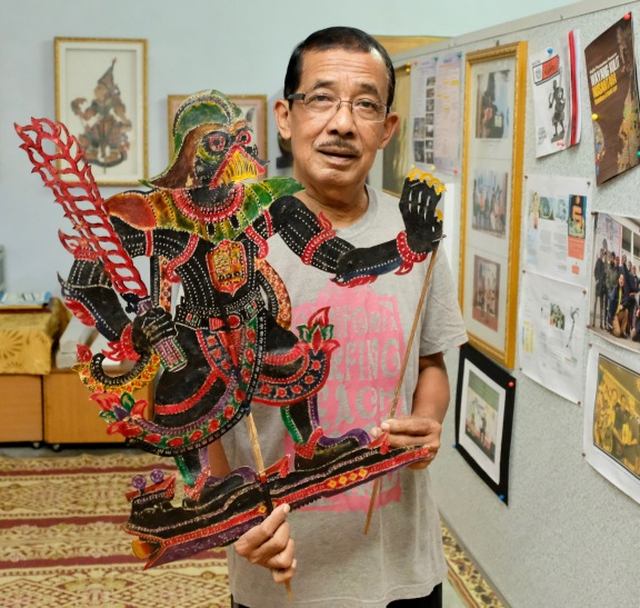 Pak Daim with Darth Vader shadow puppet