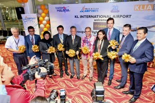 Dignitaries at Condor ribbon cutting in KLIA