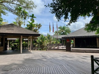 Marriott Mulu Resort - entrance area