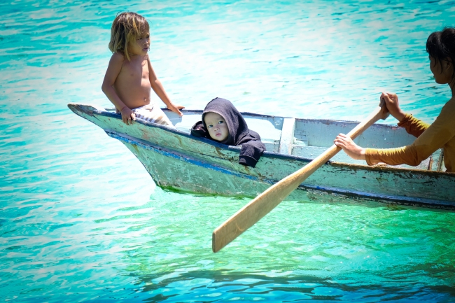 Children on boat - Mabul Island